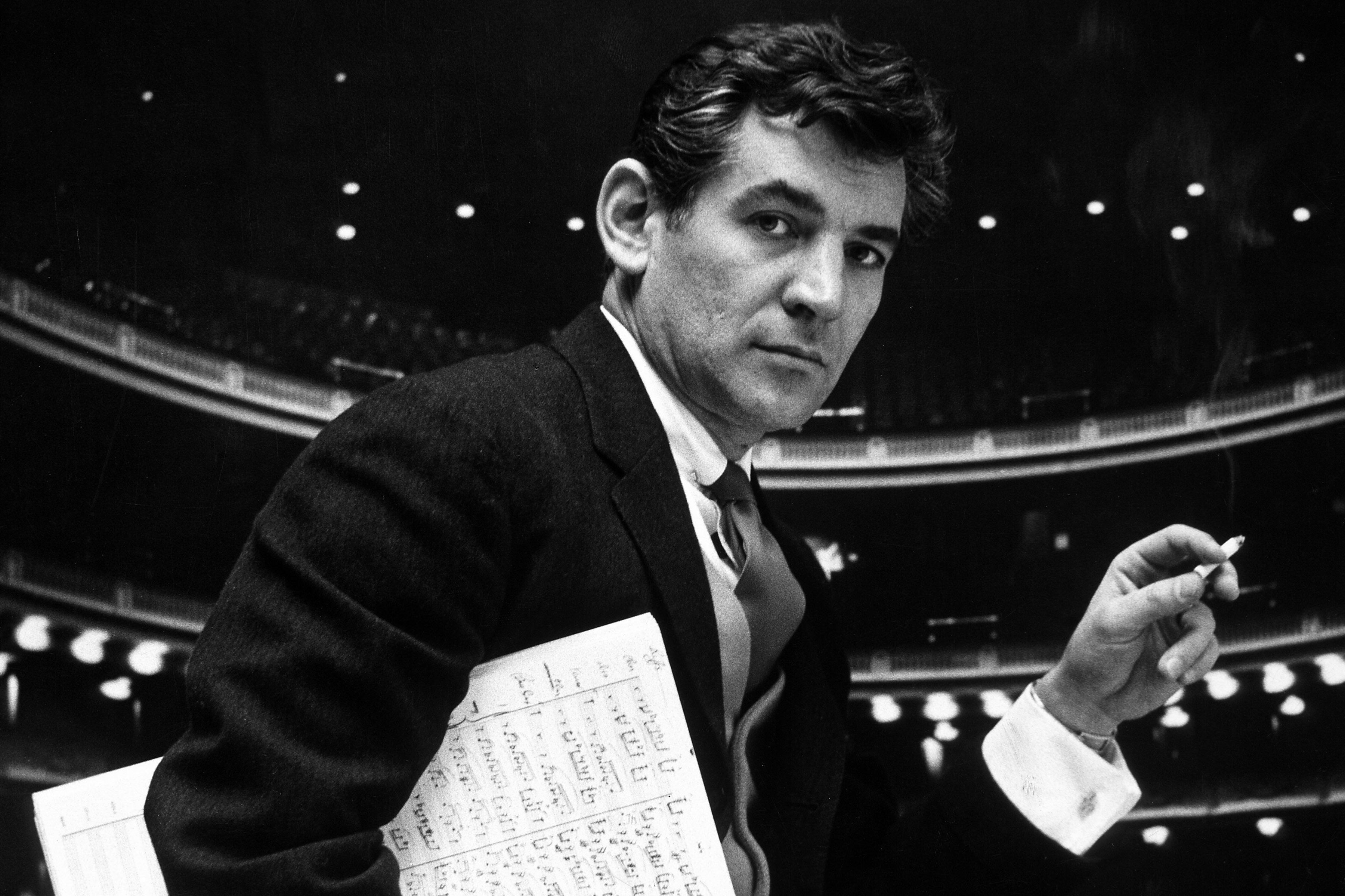 Leonard-Bernstein-1